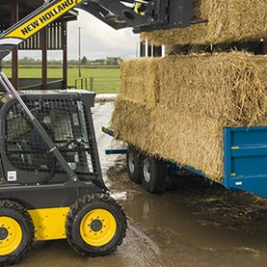 skid-steer-loaders-best-in-class-lift-heigt-and-reach-01